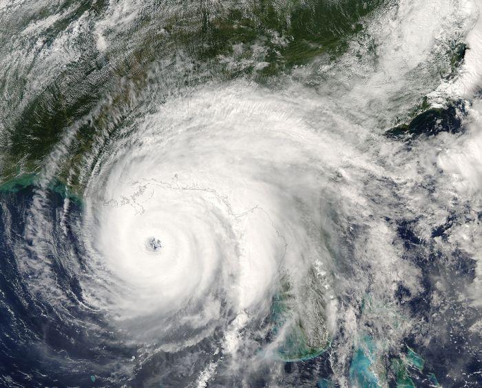Мощнейшие ураганы за последние 30 лет (15 фото)