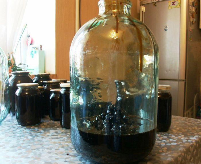 Фруктовый самогон из варенья (15 фото)