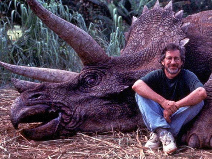 Стивена Спилберга обвинили в убийстве редких животных (3 фото)