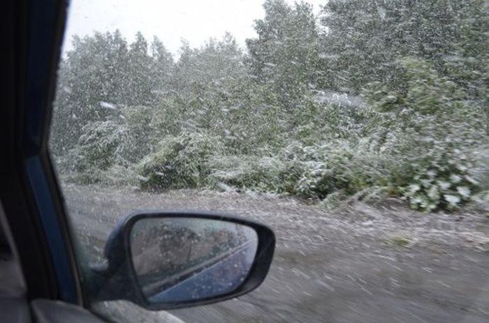 Снегопад в Челябинске в самом разгаре лета (17 фото)