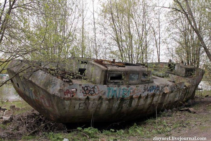 """Уникальное железобетонное судно """"Бриз"""" (3 фото)"""
