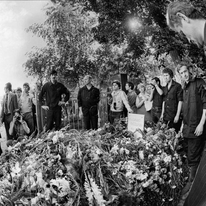 Прощание с Владимиром Высоцким (44 фото)