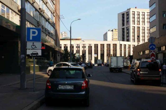 Парковочные войны в Москве (5 фото)