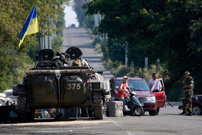 Военные действия в Донецкой области без прикрас (25 фото)