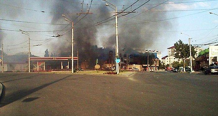Взрыв на АЗС в Махачкале (8 фото + видео)