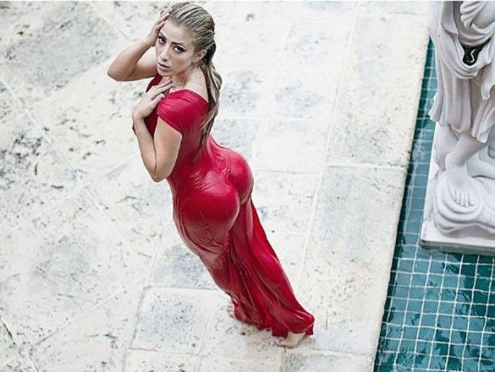 Сексуальная красотка из социальной сети (24 фото)