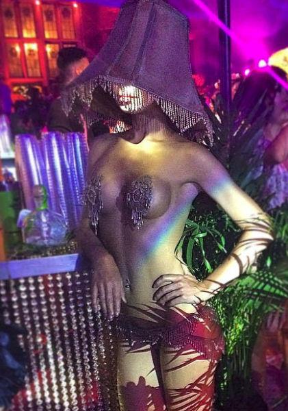 """Вечеринка в лучших традициях """"Playboy"""" (57 фото)"""