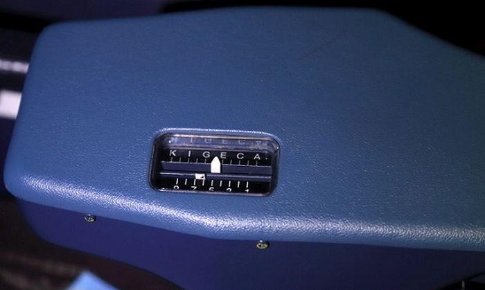 Кресло пилота авиалайнера Airbus-320 (14 фото)