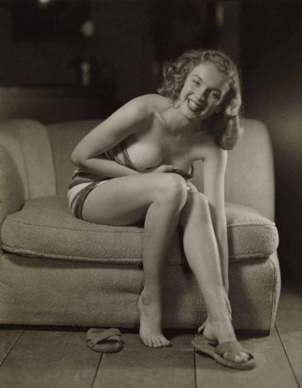 Редкие и малоизвестные эротические снимки Мэрилин Монро (22 фото)