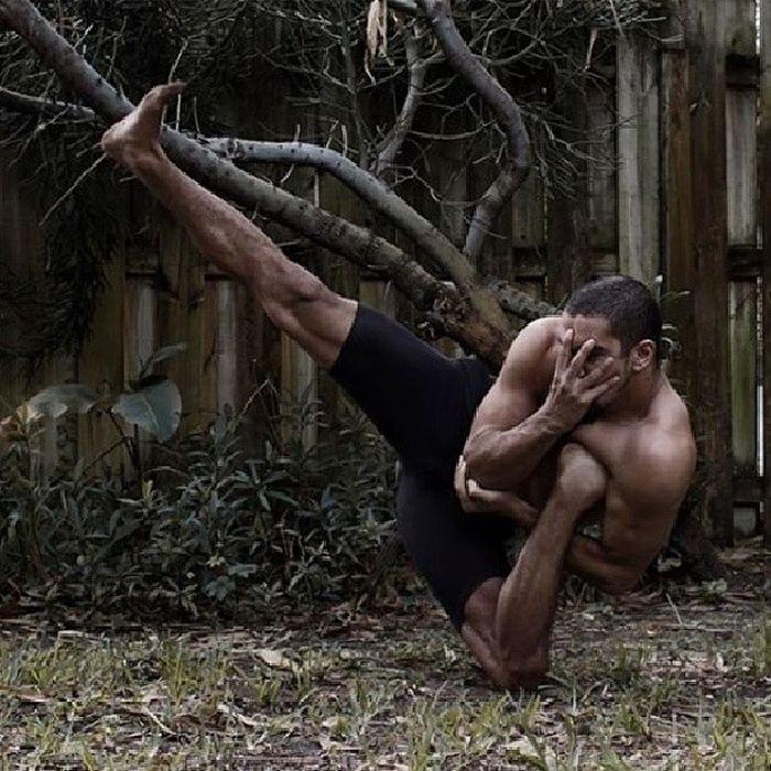 """Рауф Ясит - """"мистер резиновые ноги"""" (18 фото)"""