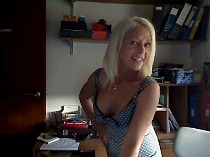 Угадайте, сколько лет этой женщине? (11 фото)