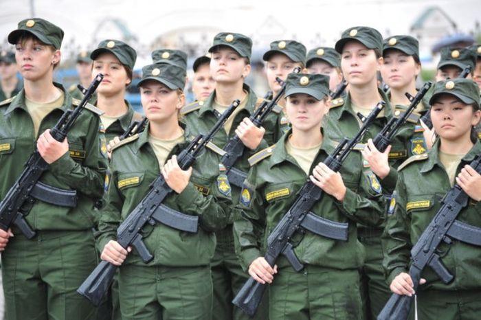 Присяга девушек в Военно-космической академии (11 фото)