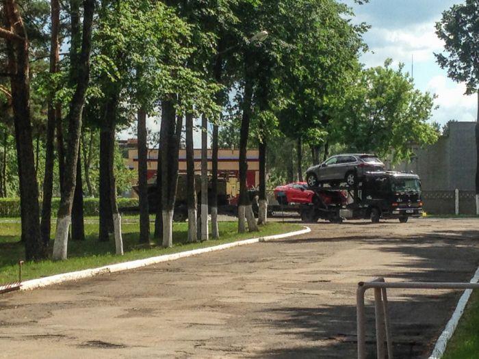 История покупки и доставки в Россию одного броневика (18 фото + 3 видео)