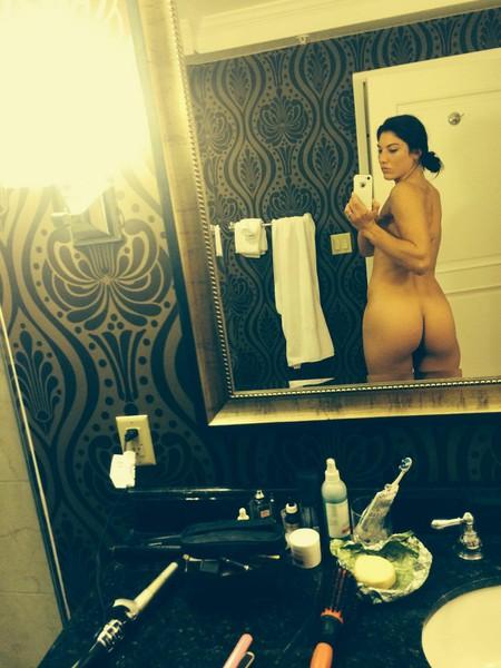 В сеть попали украденные снимки голых знаменитостей (36 фото + 2 видео)