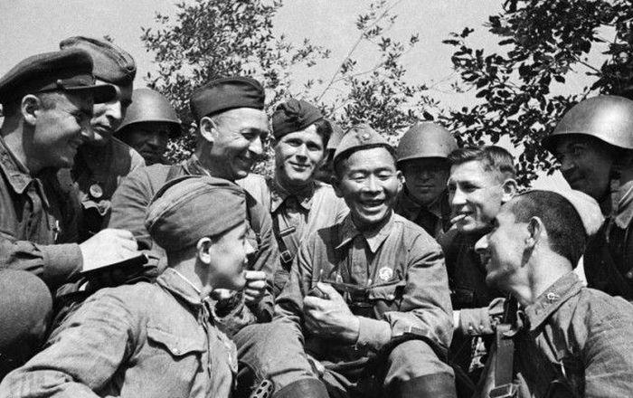 Сибирский снайпер Семен Номоконов, который уничтожил 360 фашистов за годы войны (4 фото)
