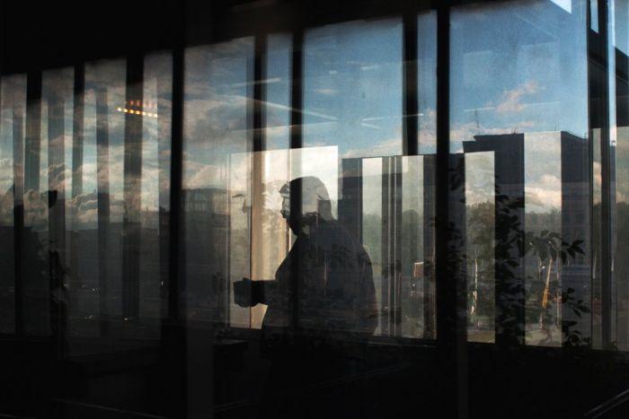"""Работник жил в телецентре """"Останкино"""", чтобы не платить за аренду квартиры (13 фото)"""