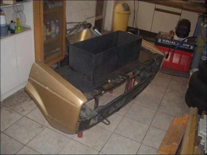 Барбекюшница из старенького автомобиля VW Golf (16 фото)