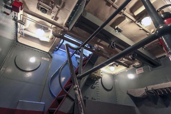 """Крейсер """"Аврора"""" отправляется на реконструкцию (39 фото + видео)"""