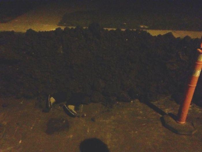 Пошутила над строителями (3 фото)