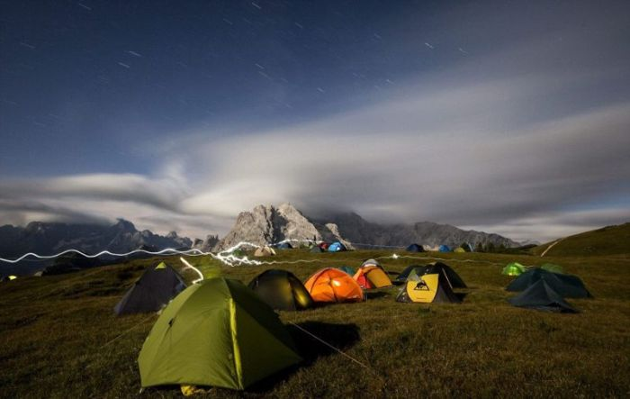 Экстремальный отдых наедине с природой (12 фото)