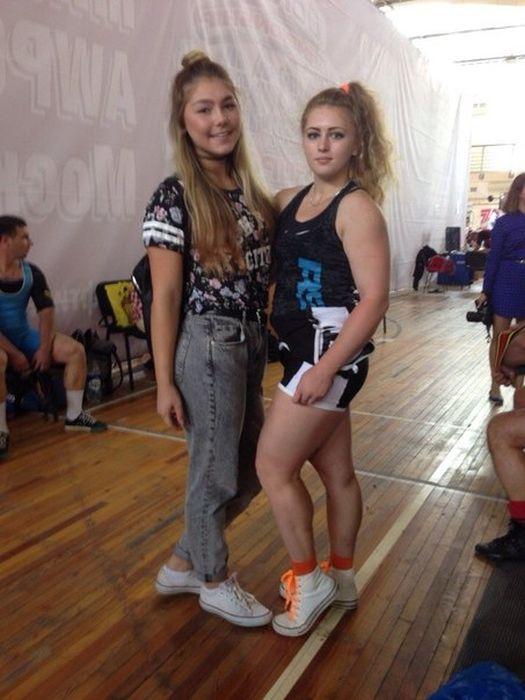 15-летняя россиянка подняла штангу с весом в 145 кг (25 фото)