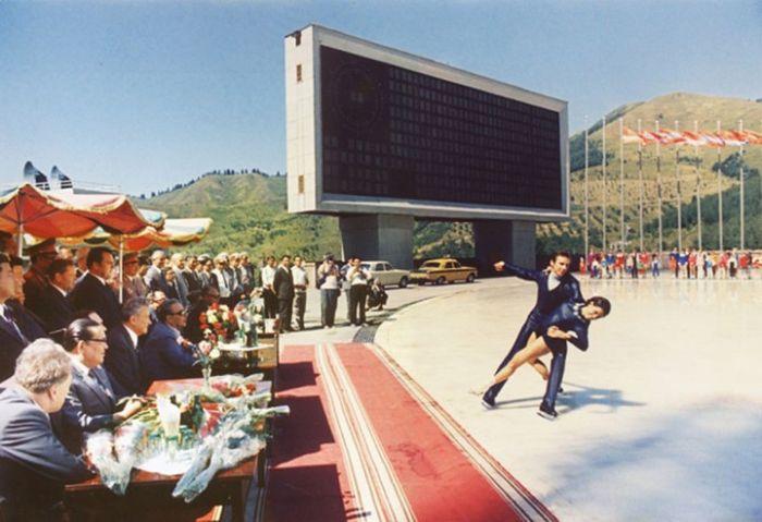 Факты из жизни Брежнева, рассказанные его личным ...: http://trinixy.ru/106559-fakty-iz-zhizni-brezhneva-rasskazannye-ego-lichnym-fotografom-16-foto.html