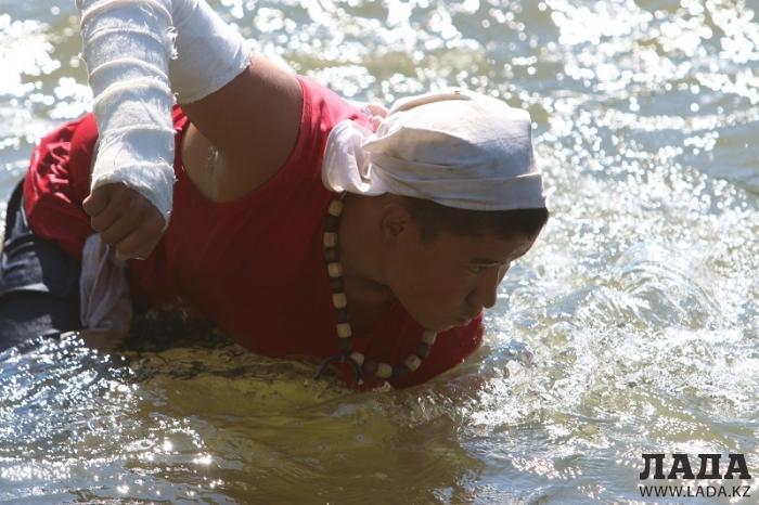 Серьезное испытание юных спортсменов на выносливость (49 фото)