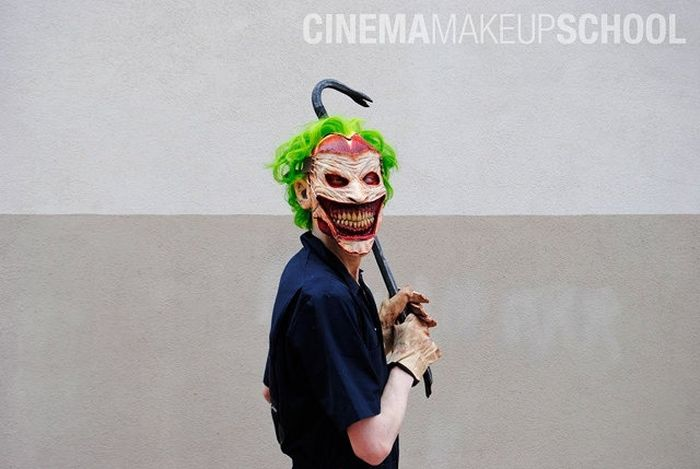 Крутой косплей злейшего врага Бэтмена - Джокера (13 фото)