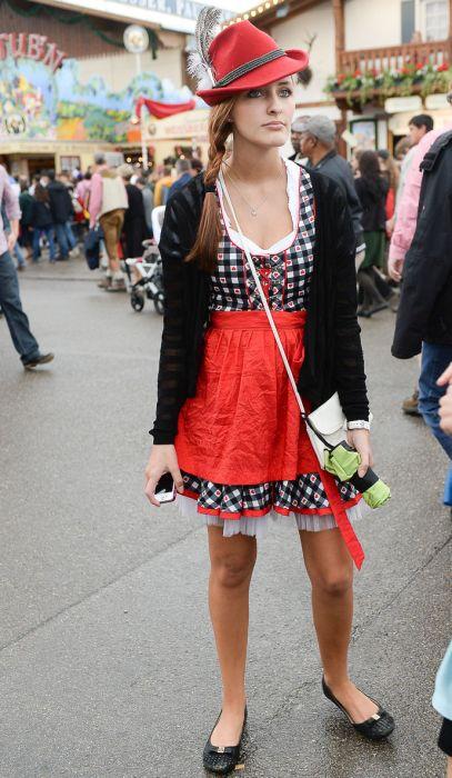 Фотоотчет: девушки Октоберфеста (71 фото)