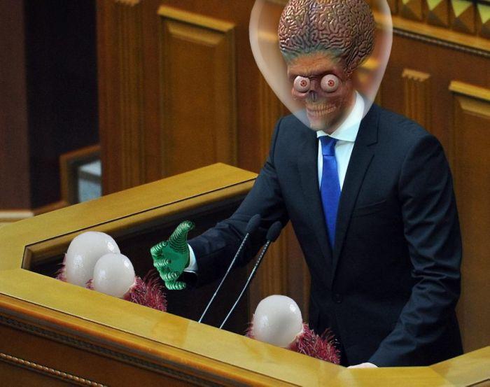 Фотожабы премьер-министра Украины (33 фото)