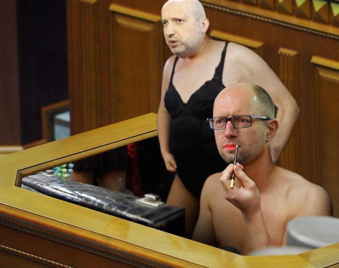 Турчинов пристыдил депутатов: Вы должны определиться, с кем вы - с теми, кто оставил свои места как обычный предатель или с теми, кто защищает страну - Цензор.НЕТ 5896