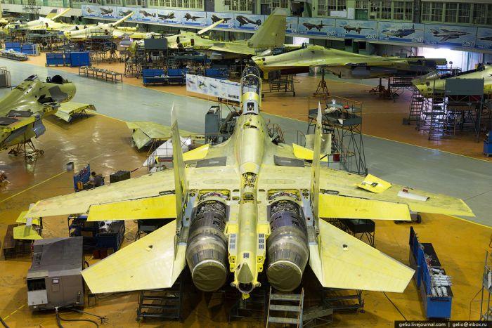 Фотоэкскурсия по Иркутскому авиационному заводу (55 фото)