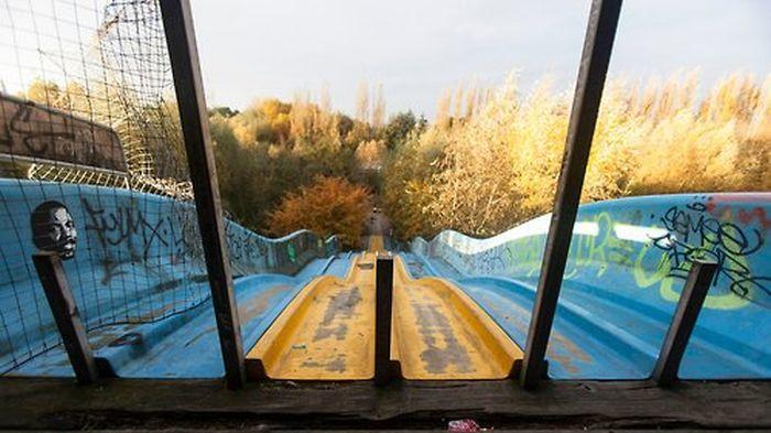 Заброшенный парк развлечений (22 фото)