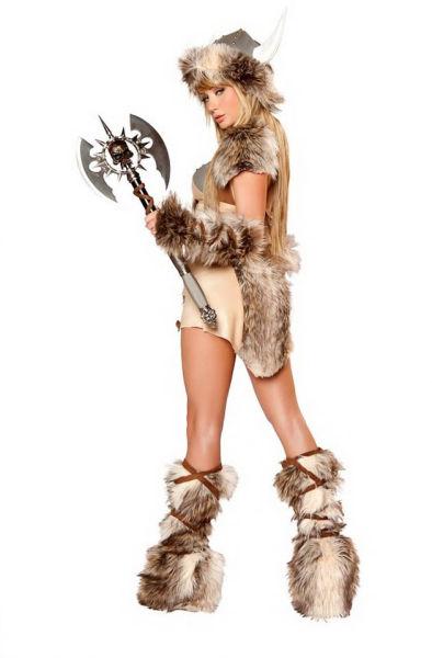 Сара Джин Андервуд примеряет костюмы для косплея (66 фото)