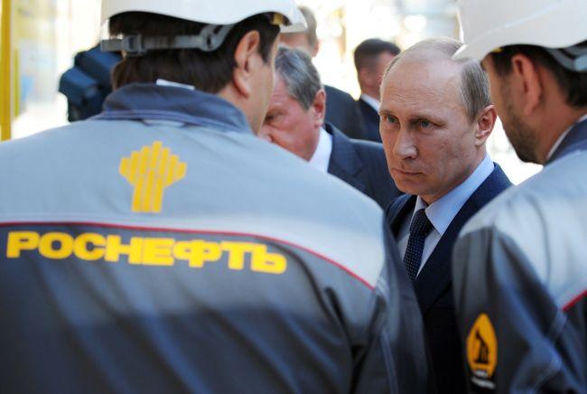 Почему рухнула нефть и чем это грозит России? (3 фото)