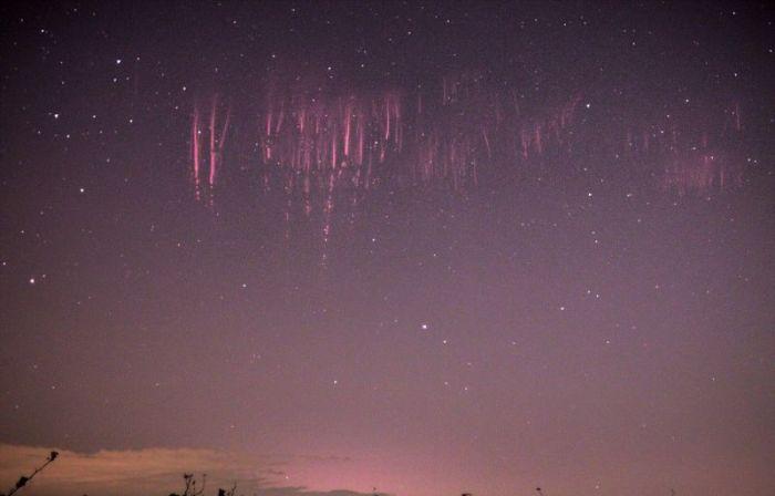 Редкий небесный феномен, который посчастливилось снять на камеру (4 фото)