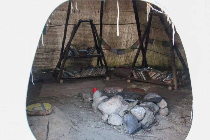 История отшельника Юрия, живущего в землянке на Ярославском шоссе (18 фото)