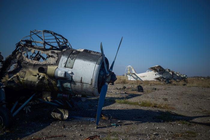 Аэропорт Луганска превратился в руины (18 фото)
