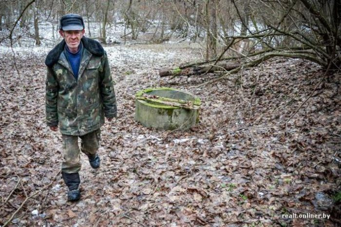 Два последних жителя умирающей белорусской деревни Залесье (20 фото)