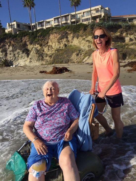 Достучаться до небес. Бабушка WAT захотела в последний раз увидеть океан (2 фото)