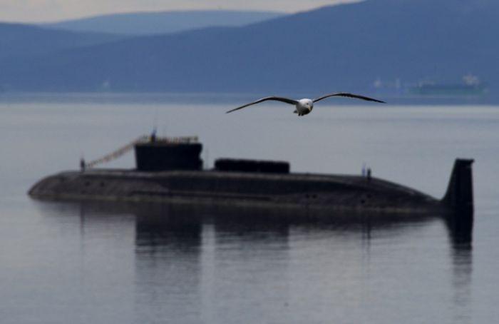 В водах Стокгольмского архипелага шведы ищут российкую подлодку (9 фото)