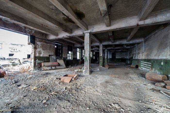 Заброшенная колония на Колыме (29 фото)