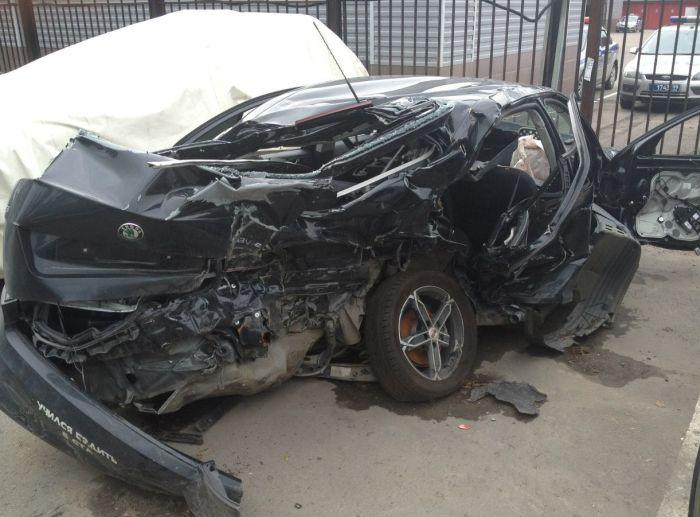 Водитель, который учился ездить в GTA (3 фото)