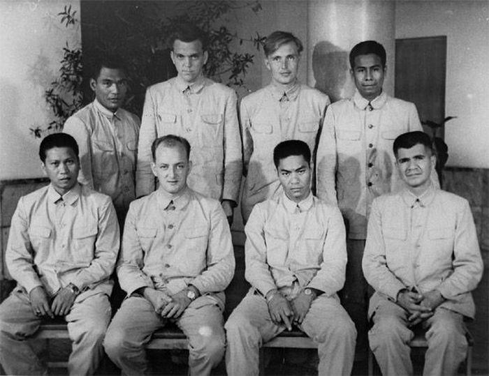 Как американские моряки желали удачи корейцам (16 фото)