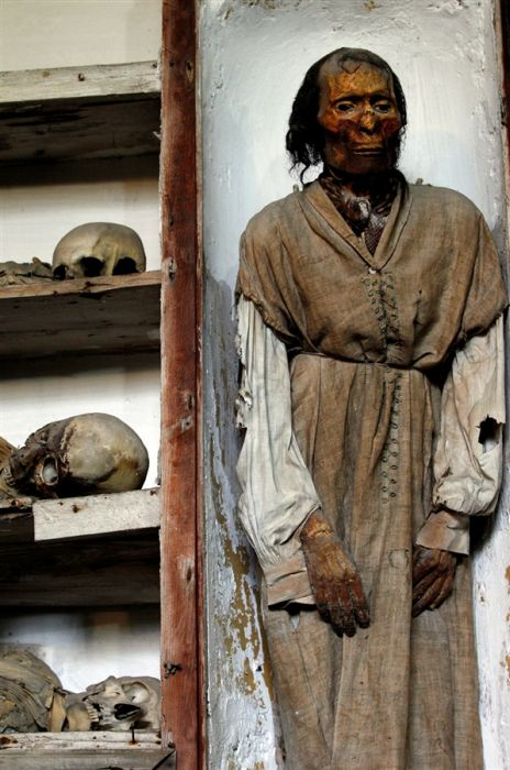 Катакомбы капуцинов - необычное кладбище в Палермо(40 фото)
