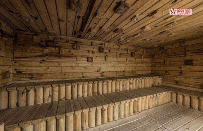 Первый горнолыжный курорт КНДР простаивает без дела (26 фото)