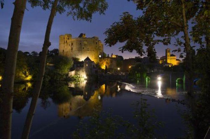 10 наиболее известных замков с привидениями (20 фото)