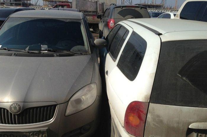 Инцидент на парковке (4 фото)