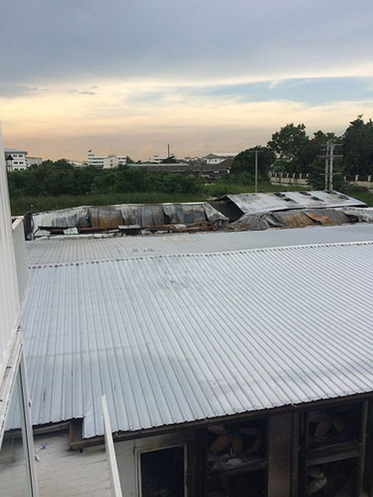 Пожар на биткоин-ферме в Таиланде повлек миллионные убытки (15 фото)