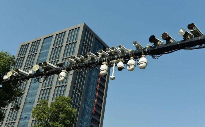 Камеры на улицах Китая (6 фото)
